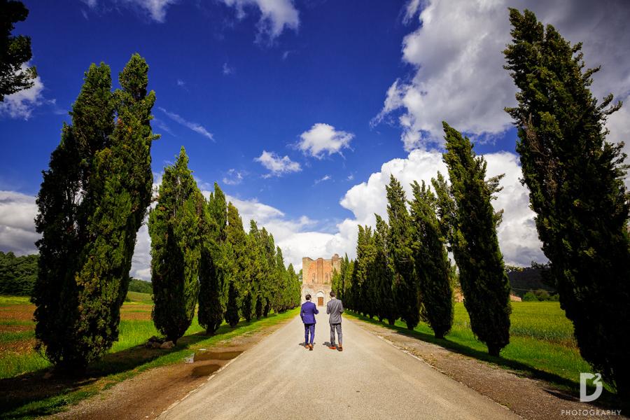 wedding-photographer-san-galgano-tuscany-15