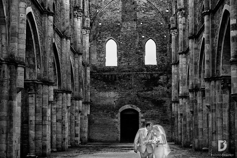 wedding-photographer-san-galgano-tuscany-17