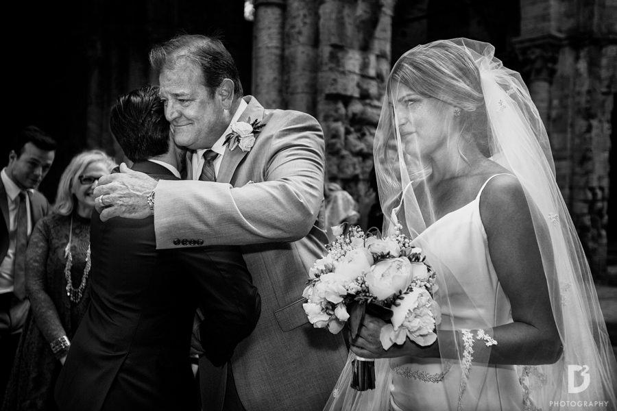 wedding-photographer-san-galgano-tuscany-18