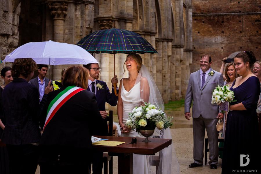wedding-photographer-san-galgano-tuscany-21