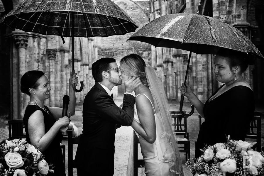wedding-photographer-san-galgano-tuscany-27