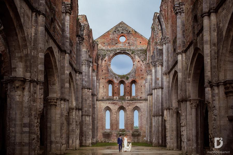wedding-photographer-san-galgano-tuscany-32