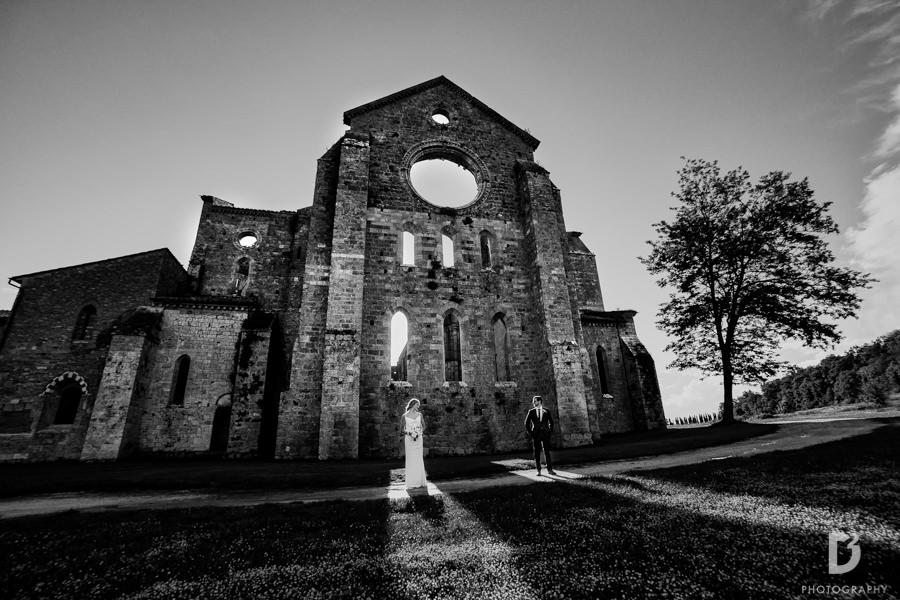 wedding-photographer-san-galgano-tuscany-37